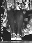 Beine und Schuhe einer Flamencotänzerin/SW-Foto by Boris de Bonn