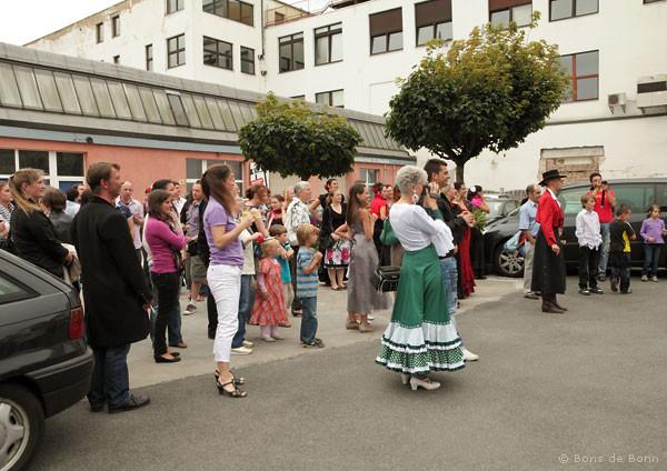 Gäste beim spanischen Sommerfest/Jubiläumsfeier 2011 im Tanzstudio La Fragua