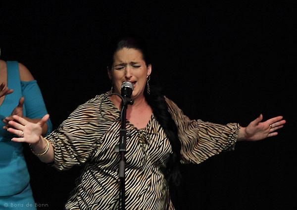 Überraschungsauftritt der hochschwangeren Flamenco-Sängerin Lidia Menéndez bei der Jubiläumsfeier 2011 vom Tanzstudio La Fragua