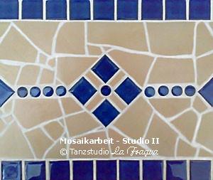 Detailansicht einer handgefertigten Mosaikarbeit in Studio II des Tanzstudio La Fragua