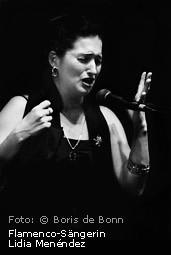 "Titelfoto zur Fotoausstellung ""La alma del flamenco"" von Boris de Bonn im Tanzstudio La Fragua; abgebildet ist die Flamenco-Sängerin Lidia Menéndez / SW-Foto by Boris de Bonn"