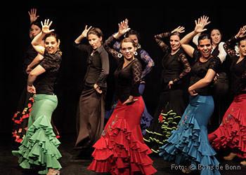 Flamencotanz auf der Bühne im Tanzstudio La Fragua in Bonn/Color-Foto by Boris de Bonn