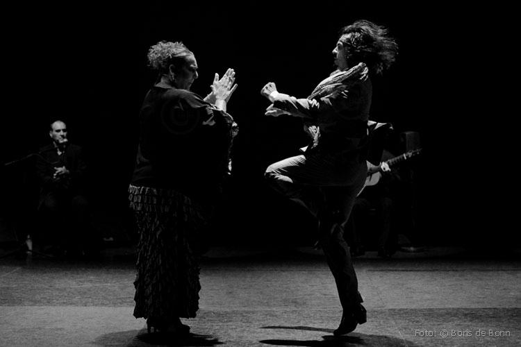 Cantaora Mari Vizárraga (l) & Farruquito / © Boris de Bonn
