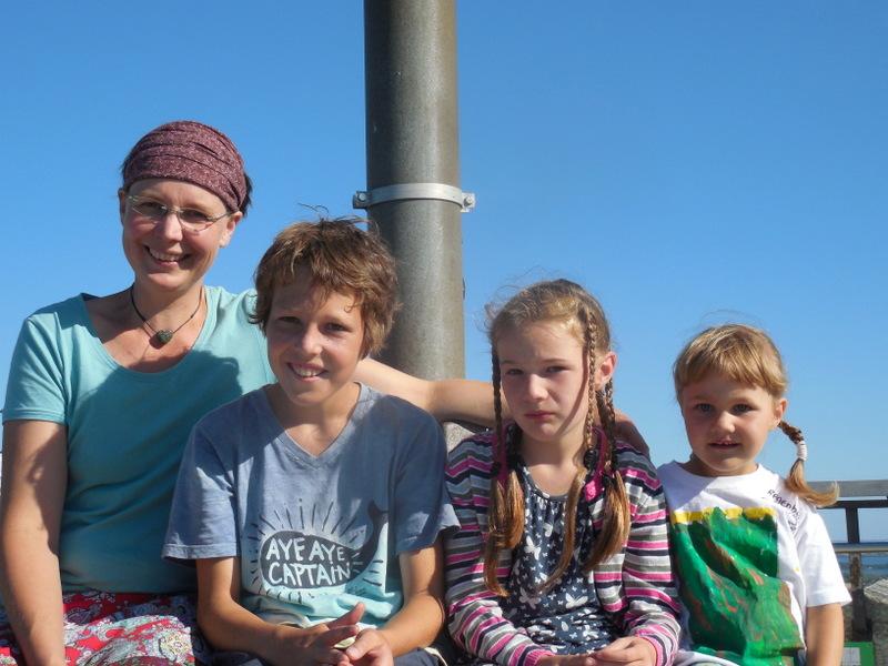 Dörte und unsere Kinder Hannes, Astrid und Mathilda, nicht immer alle vergnügt!