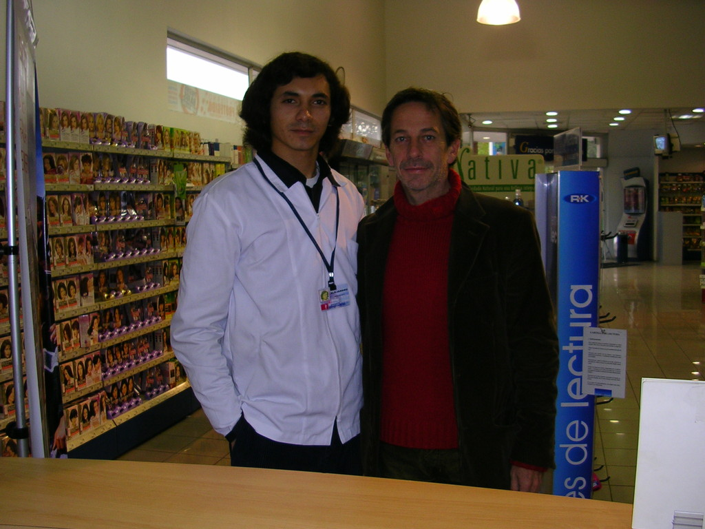 En mi otro trabajo, la farmacia con Alfredo Castro.