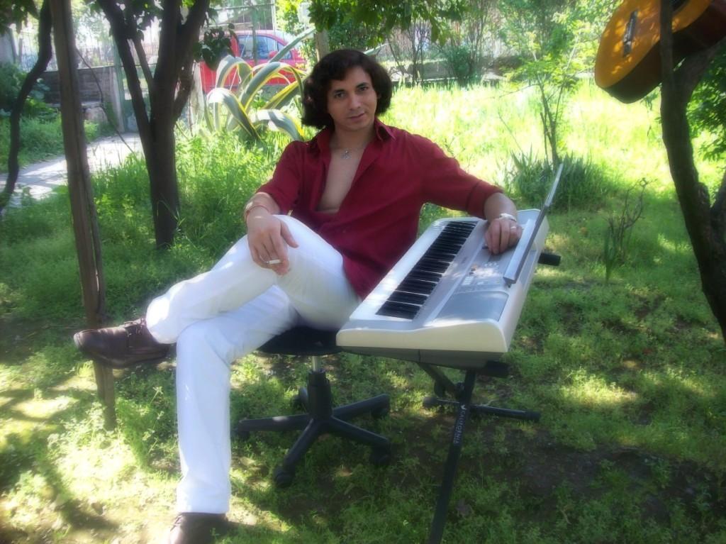 pero la música alegra mi alma y me ayuda a crecer y desarrollar mis capacidades...