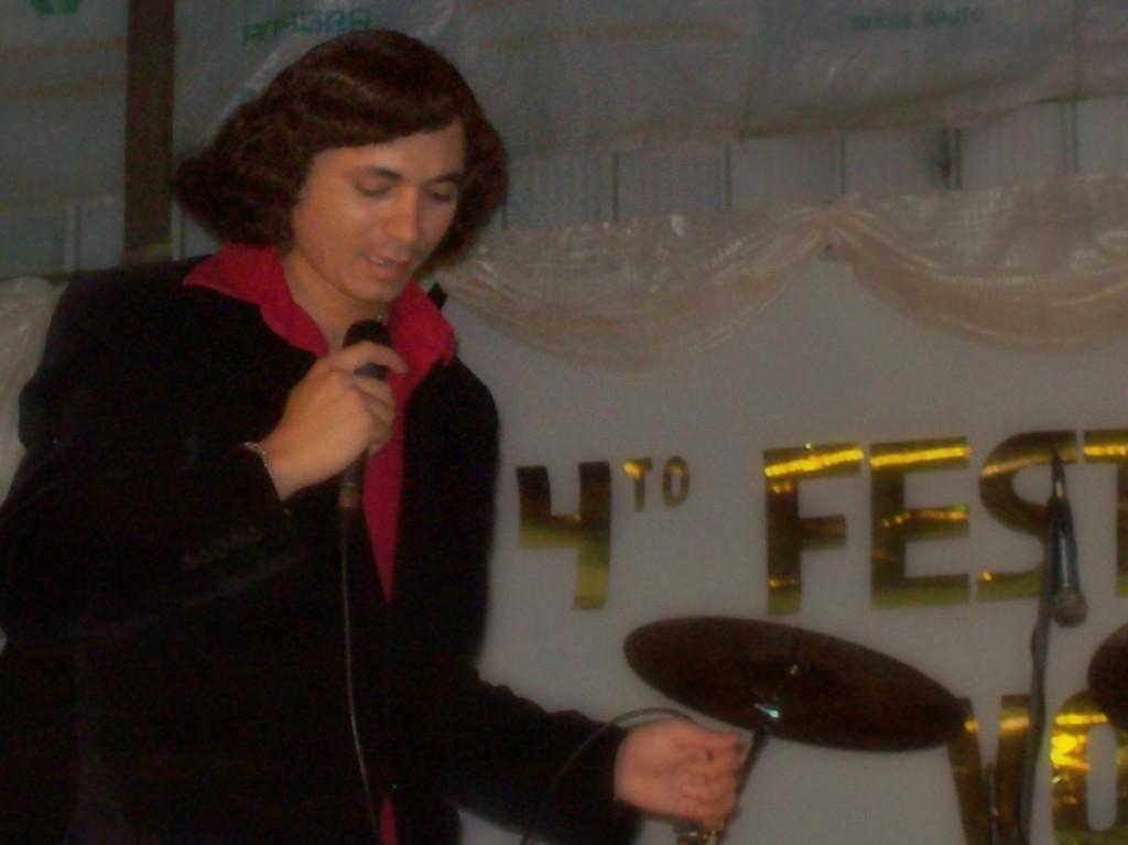 Festivales y presentaciones en general alegran mi vida y espero alegrar la tuya también...