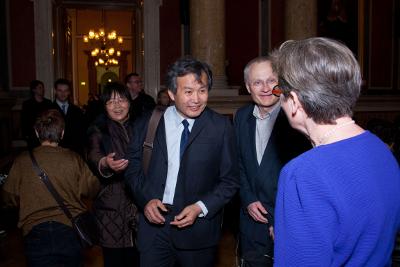 Mit Alternativ-Nobelpreisträger HUANG MING, er leitet die weltweit  größte Solarthermie-Firma: bei einer von mir organiseirten großen Veranstaltung mit ihm an der Uni Wien