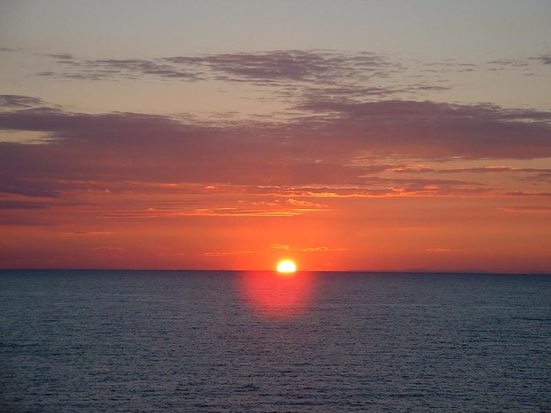 LE SOLEIL LA NUIT SE COUCHE SUR L'OCEAN DE NOS VIES