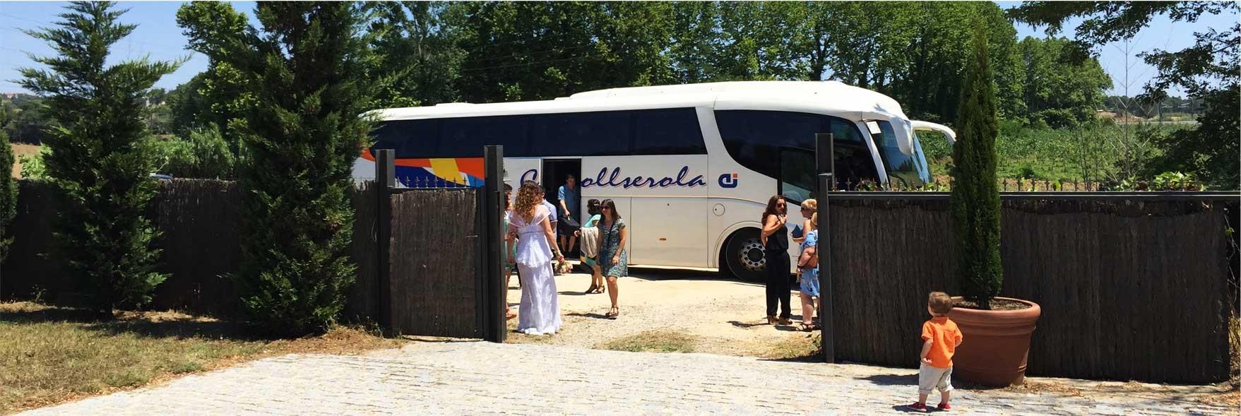 Una solución inteligente: llegada de invitados en autocar.