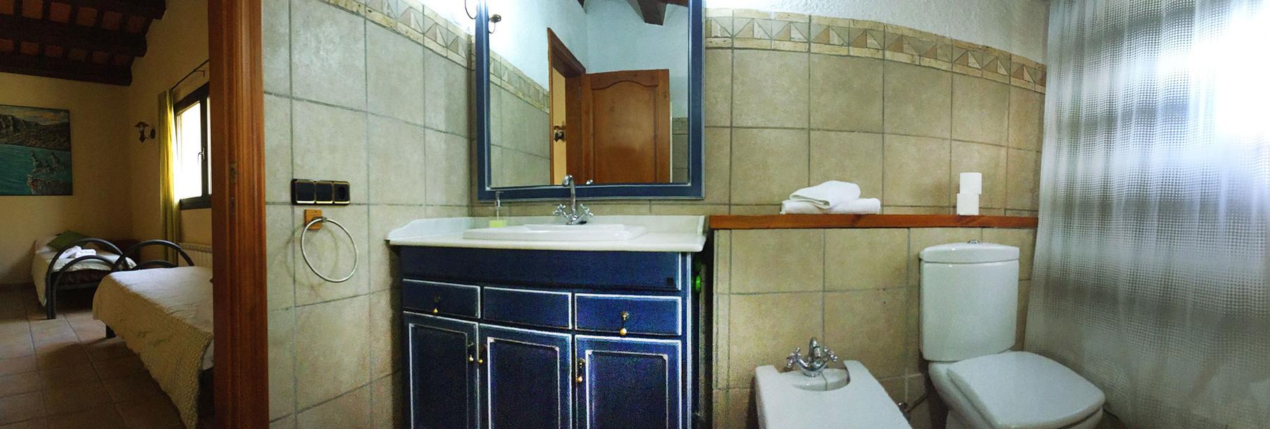Amplio lavabo de estilo