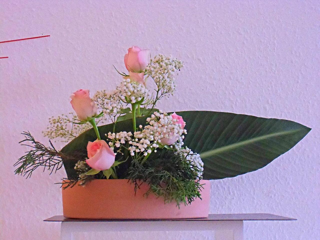 Moribana mit Strelitzienblatt