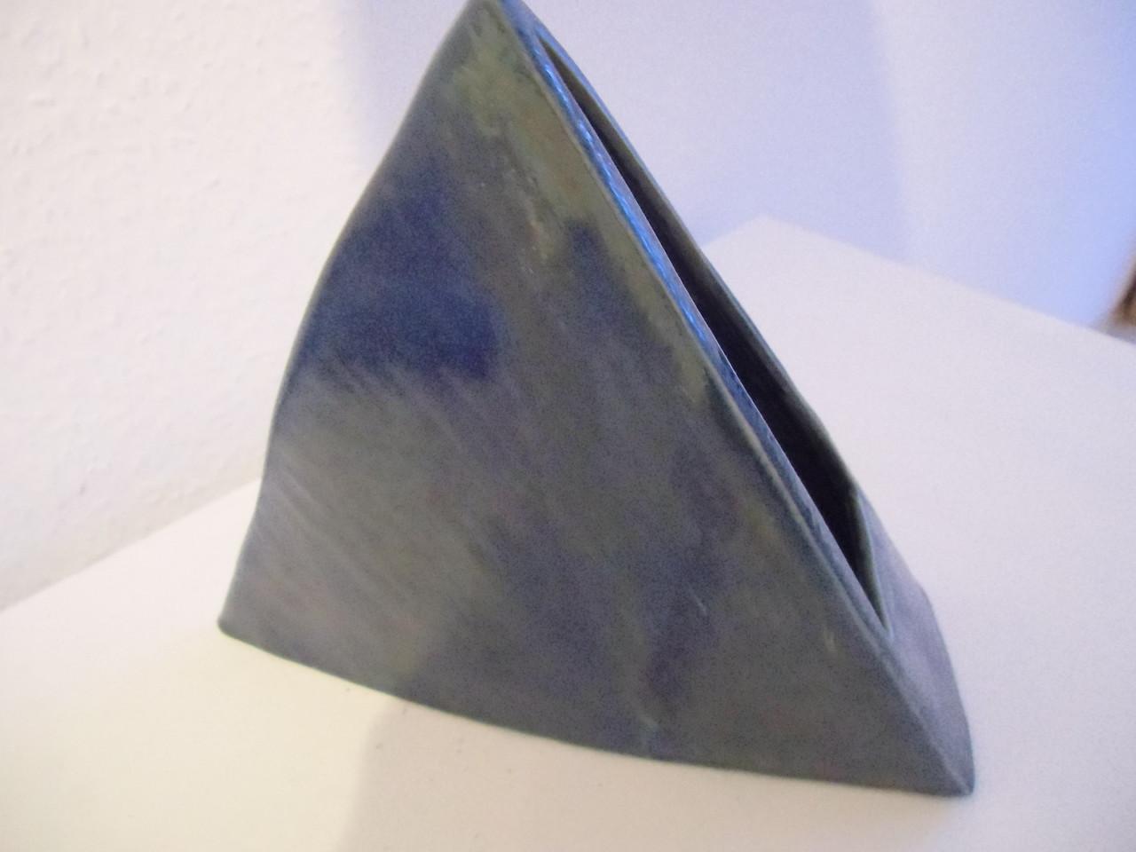 Dreieckvase
