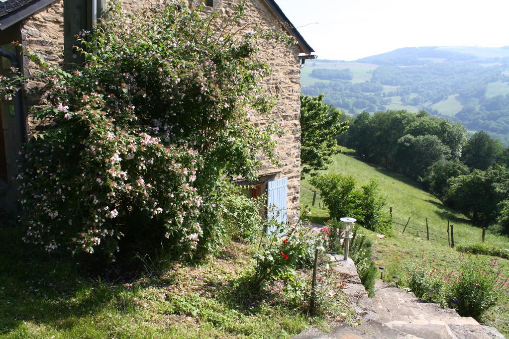 Gite la Borie à Plaisance en Aveyron : vue de l'extérieur