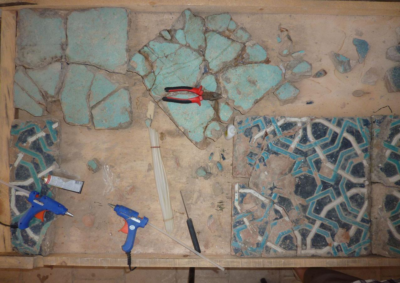 Bac en cours de remontage/collage (Socra, 2012)