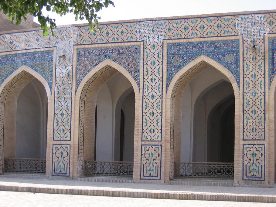 Galeries de la mosquée Kalon (photo : C.Ollagnier, 2007)