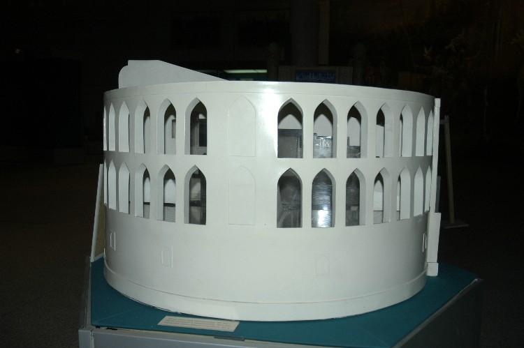 Maquette de l'observatoire au musée d'Histoire de Tashkent - vue n°2 (photo : C.Ollagnier, 2008)