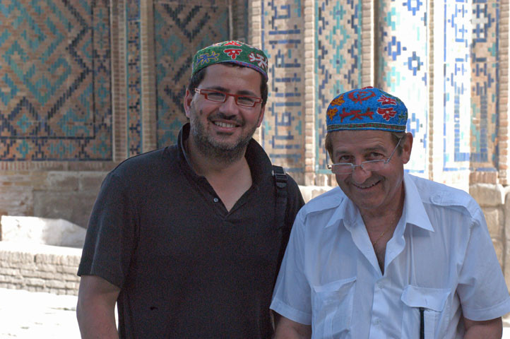 Richard Boyer (SOCRA) et Pierre Bergoin (CESA) au Registan, Samarcande (photo : M.Schvoerer, 2007)
