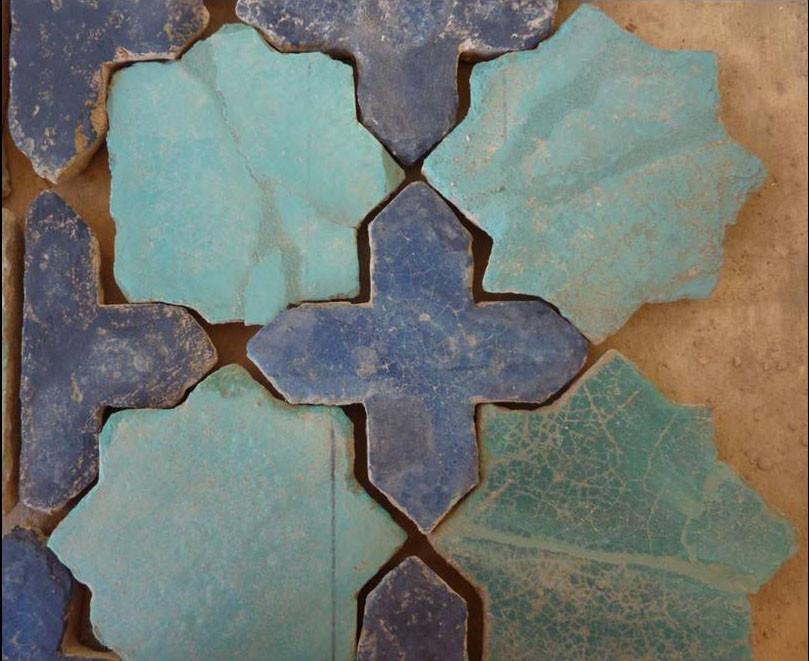 Exemple d'un ensemble de carreaux ragréés avec compléments peints peu visibles(Socra, 2012)