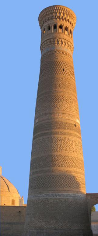 Minaret Kalyan vu dans son ensemble (photo : C.Ollagnier, 2007)