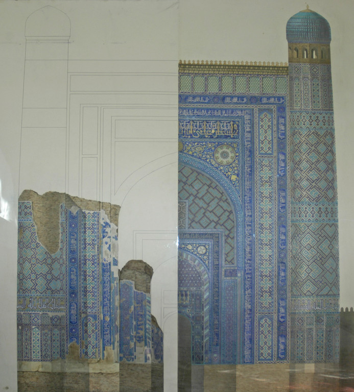 Restitution hypothétique du portail Nord de l'Ak Saray. Travail de master d'architecture d'Azizbek Akmedov en 2007 (photo : C.Ollagnier, 2008)