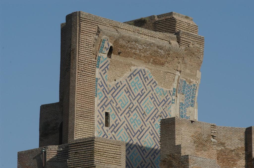 Départ d'arc (voûte) du pylone surplombant l'iwan Ouest (Shahrisabz, Fin XIII-début XIVème s ap J.C.) (photo : M.Schvoerer, 2008)
