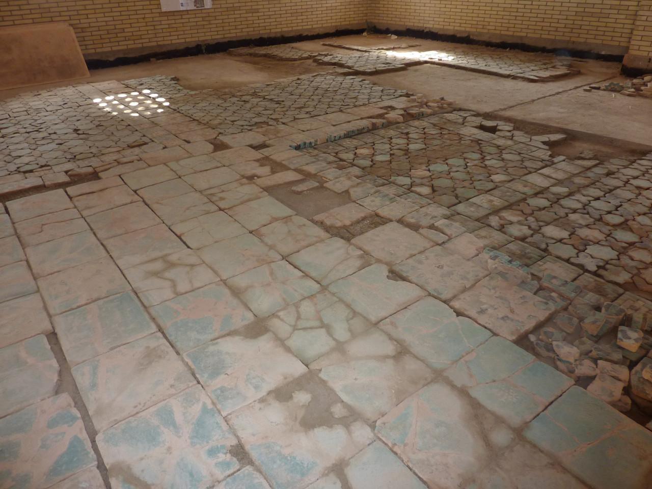 Exemple d'une partie de la zone 2 avec joints en cours de séchage (selon séchage) (Socra, 2013)