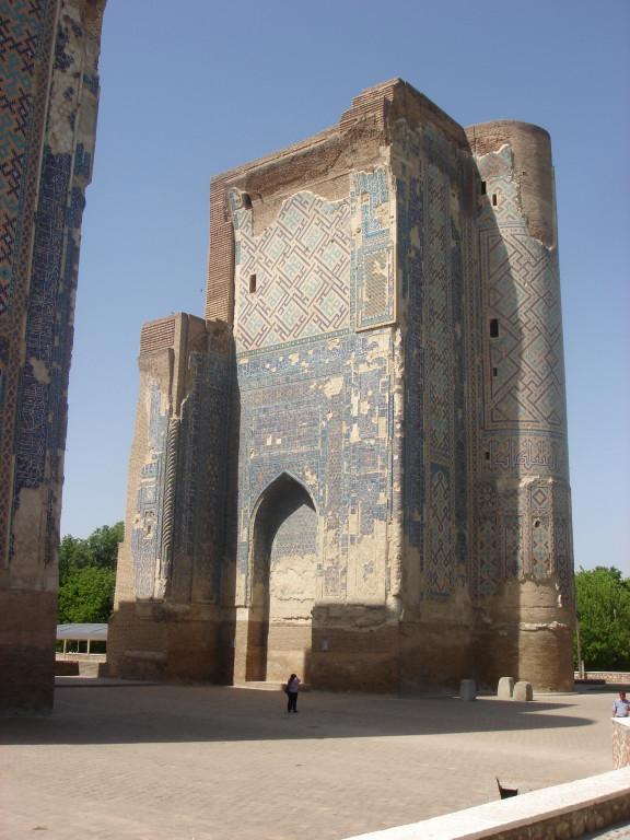 Iwan ouest vu depuis le nord (Shahrisabz, Fin XIII-début XIVème s ap J.C.) (photo : M.Schvoerer, 2008)