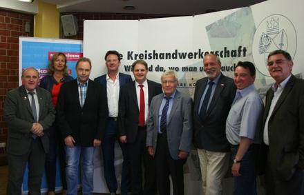 Die FDP-Delegation informiert sich über zukünftige Perspektiven des Handwerks am Standort Essen.