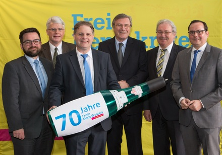 Auch Repräsentanten von SPD und CDU gratulieren der Essener FDP zum 70. Parteigeburtstag.