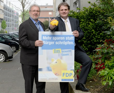 Spitzenkandidat Hans-Peter Schöneweiß und Parteivorsitzender Ralf Witzel beziehen Position