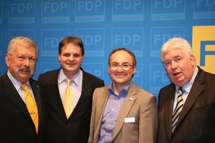 Eduard Schreyer, Ralf Witzel, Stephan Dahlmanns und Detlef Below kandidieren in den vier Essener Landtagswahlkreisen (v.l.n.r.).