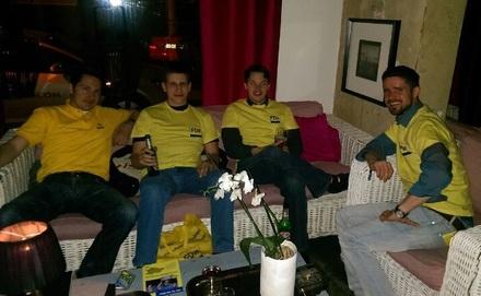 Chill-out nach einer langen Wahlkampfnacht.