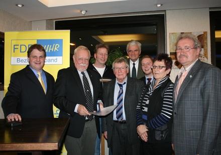 Der Parteivorstand gratuliert dem Jubilar Hagen Schulz-Thomale.