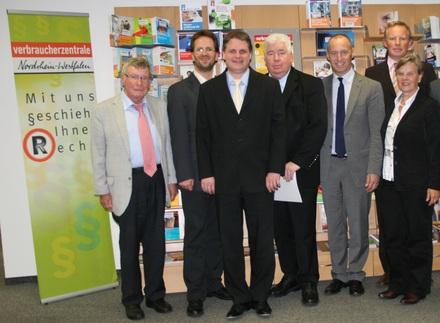 Die Delegationen von FDP und Verbraucherschützern treten in den Dialog.