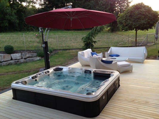 artesian spas showromm