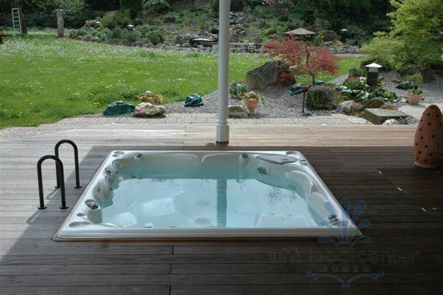 aussenwhirlpool komplett in den boden einlassen whirlpool center weeze. Black Bedroom Furniture Sets. Home Design Ideas