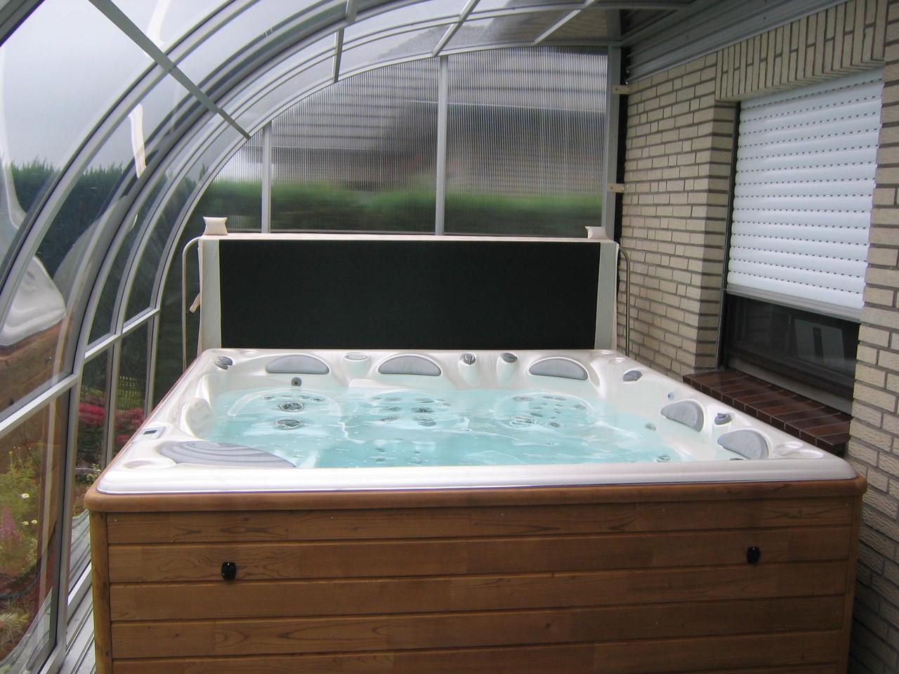 Whirlpool-Überdachungen - Whirlpoolcenter Weeze
