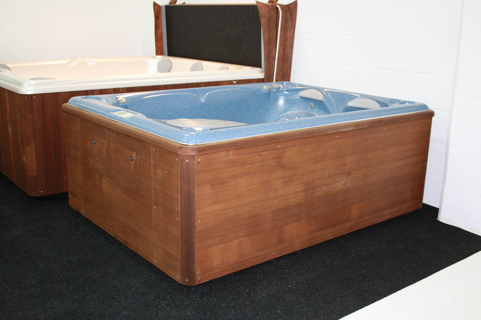 jacuzzi outdoor gebraucht jakusie whirlpool jacuzzi nova. Black Bedroom Furniture Sets. Home Design Ideas