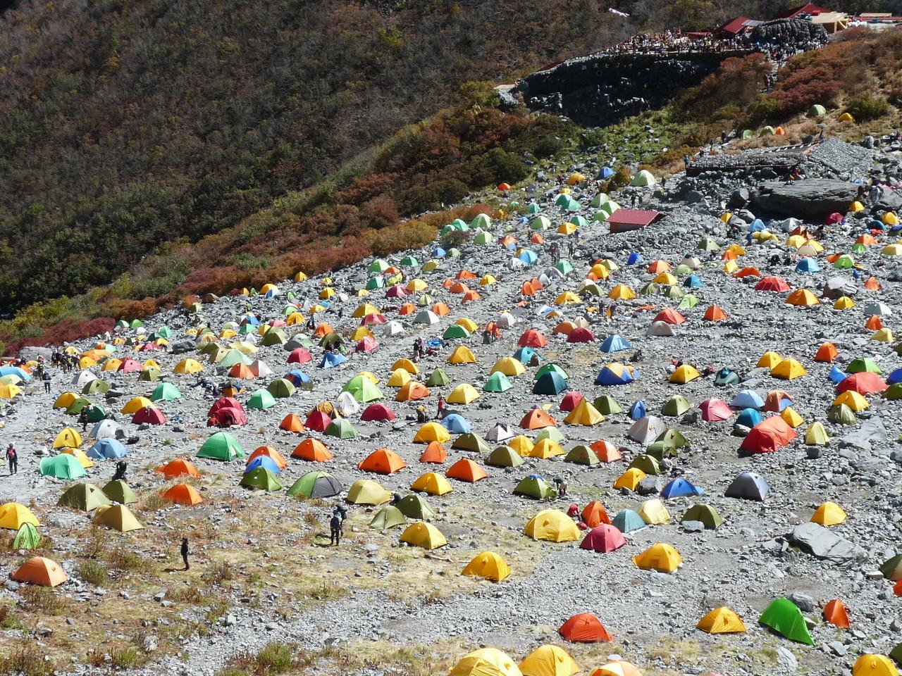 大混雑のテント場