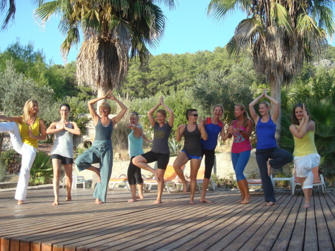 Die super nette Yoga-Gruppe mit Veronika Rössl in der Türkei, September 2013