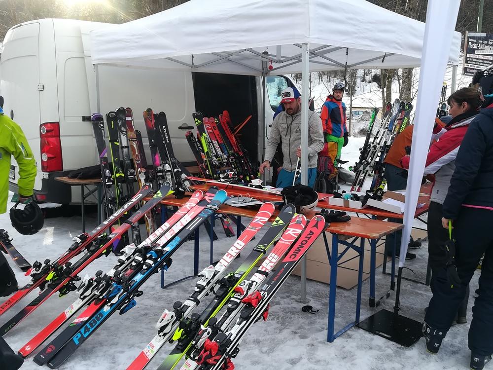 Sport - Heinzel lädt zum Skitest
