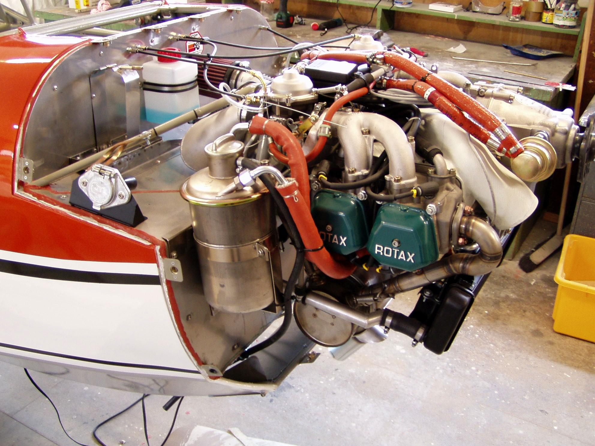 Motor Rotax  912 S im Detail
