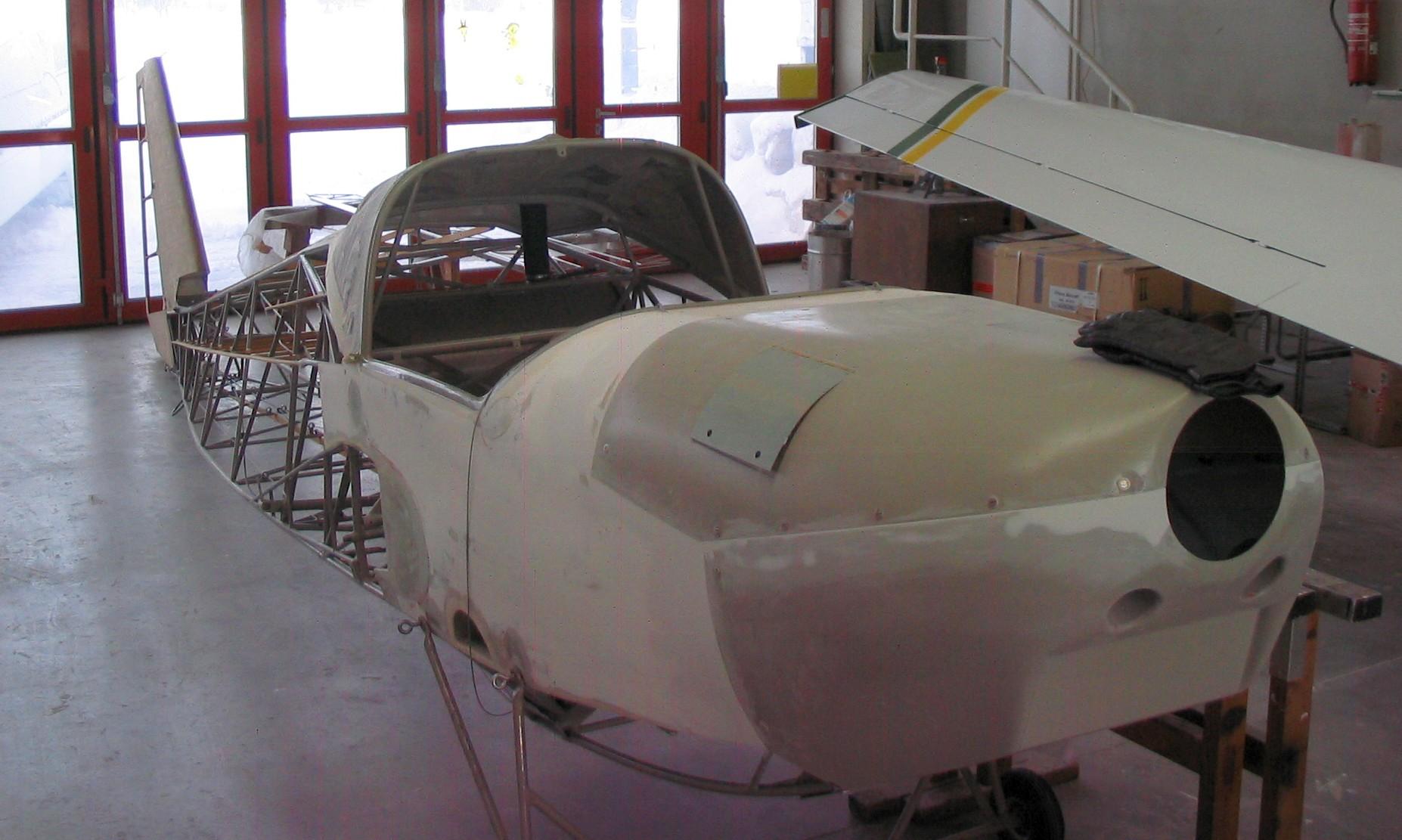 in der warmen Montagehalle von Scheibe Aircraft in Heubach
