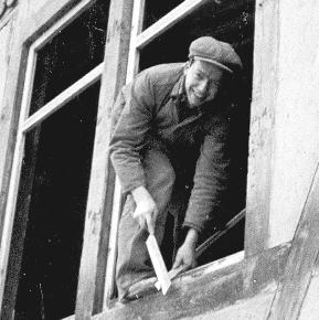 Die alte Kelter wird als Werkstatt gerichtet – Wolfgang Bährle