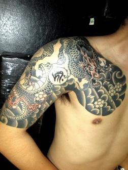 龍桜ちらしの刺青和彫り