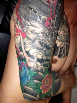夫婦龍と牡丹の刺青和彫り