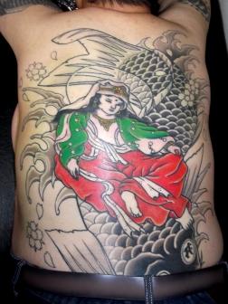 魚藍観音の和彫り刺青