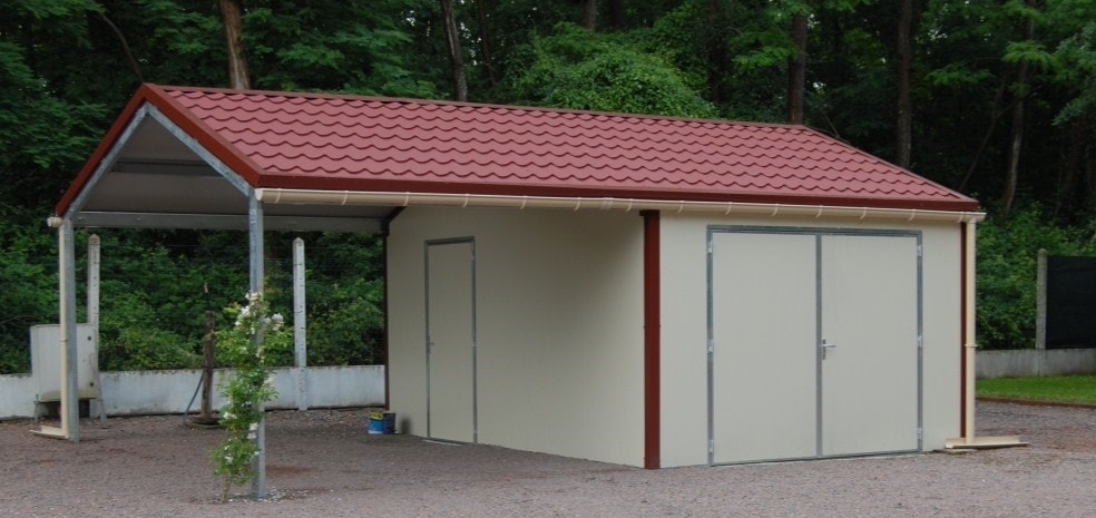 Garage et abri de jardin en panneaux sandwichs isol sans entretien priou et fils for Abri de jardin en bois sans entretien