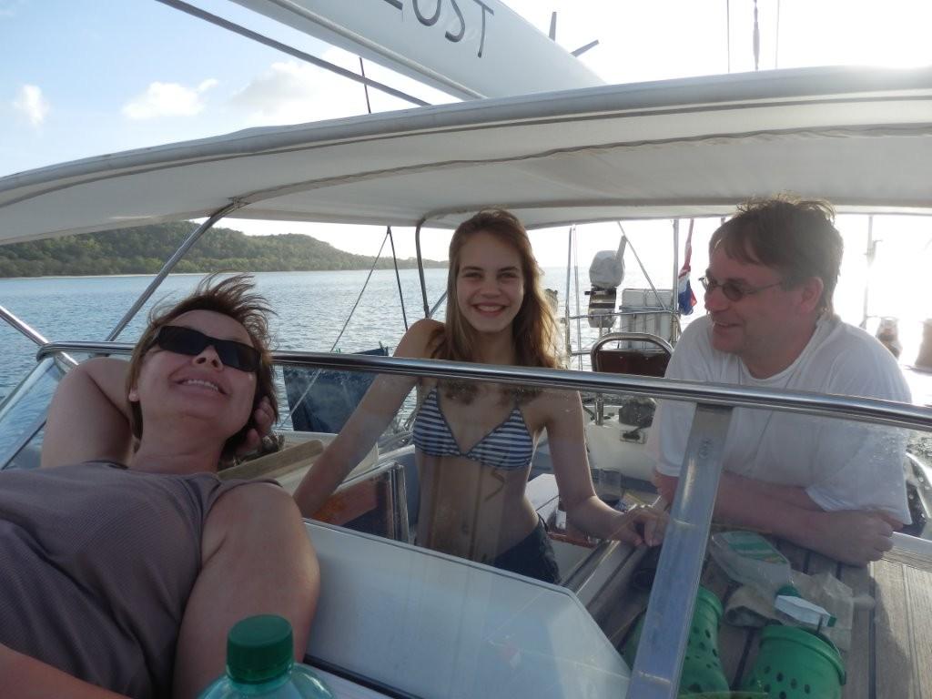 Karibik-Urlauber Ute, Nele und Ole an Bord